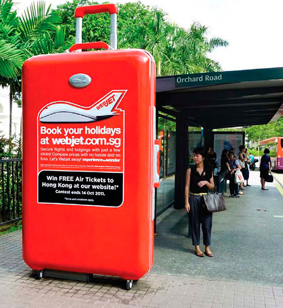 Webjet the World: Supersized 3D Luggage