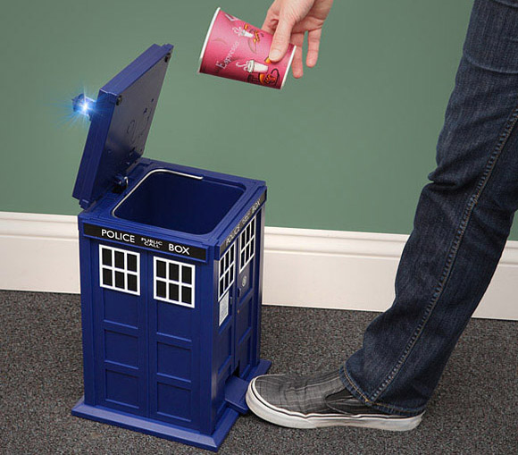 Doctor Who TARDIS Flip Top Pedal Bin