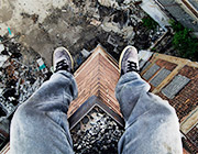 Urban Exploration: Vertigo-Inducing Examples of Rooftopping Photography