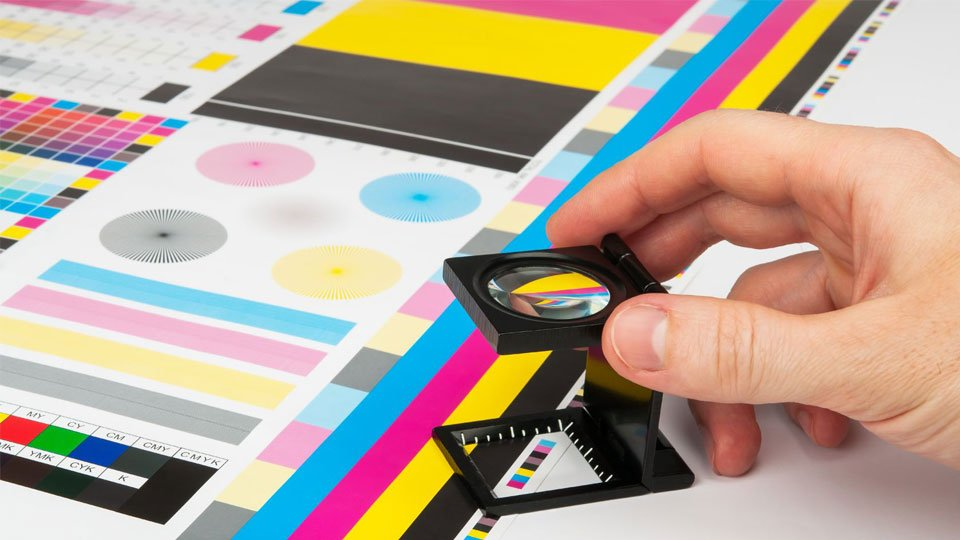 Adobe Illustrator Vs Photoshop - Which is Best for Print Projects?